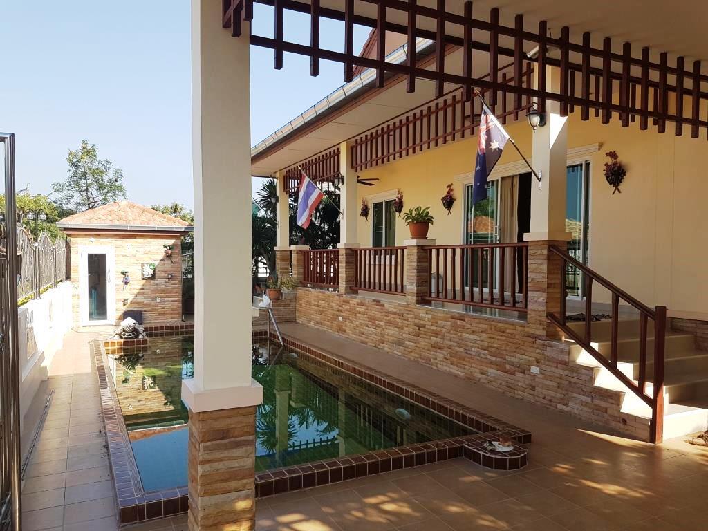 Natural hill hua hin pool villa for rent hua hin for 8 villas hua hin