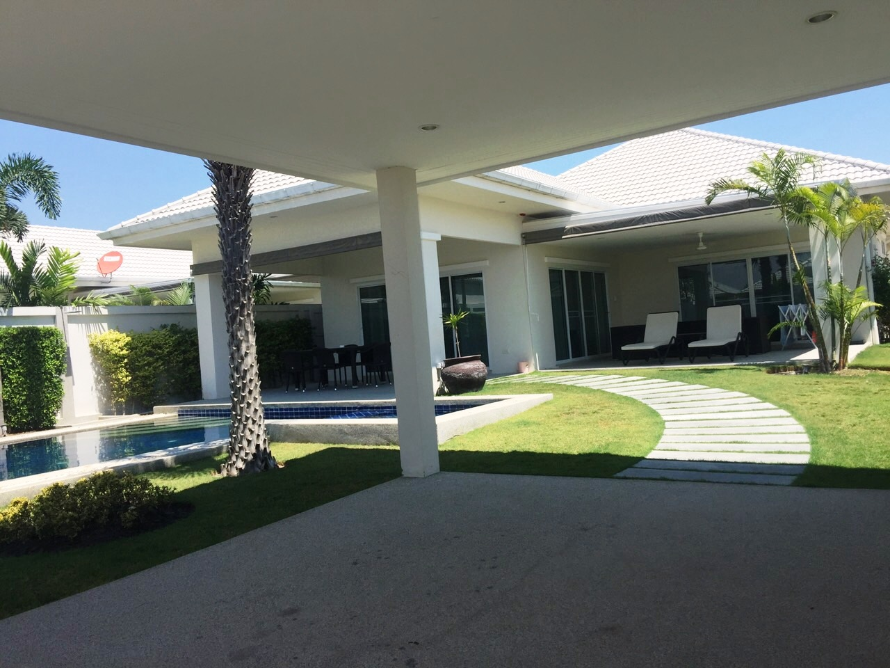 the lees hua hin pool villa the lees hua hin zu verkaufen. Black Bedroom Furniture Sets. Home Design Ideas